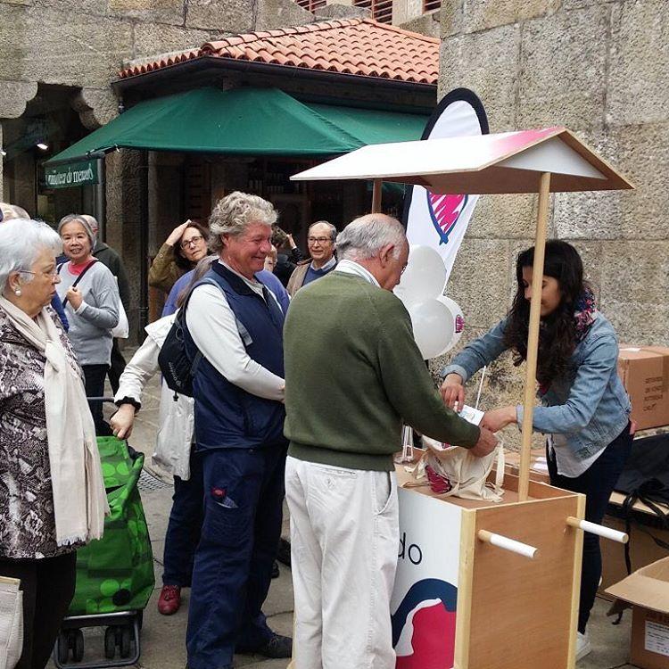 Hoxe na praza de abastos de Santiago de Compostela quereoteumercadohellip
